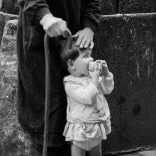 La mano protectora, Barrio de la Ribera, Barcelona, 1963