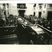 Masats. Julio López durante su respuesta al discurso de Publio López Mondéjar (2008)