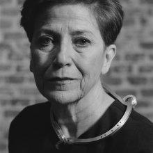 Chus Burés en colaboración con Louise Bourgeois. S/T. Collar, 2000. ©Alberto García Alix, 2015_Retrato de Carmen Gimenez