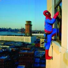 Sin título, de la serie Superhéroes. Nueva York, 2010 © Dulce Pinzón